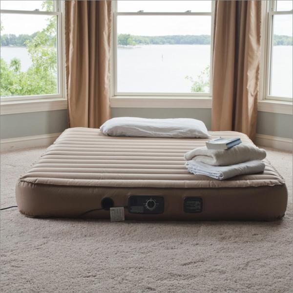 -matelas-gonflable-lit-confortable-pour-votre-confort-dans-le-salon-ou-pour-vos-invités-en-beige-grand-double-lit-gonflable