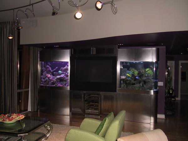 meuble-aquarium-deux-aquariums-décoratifs
