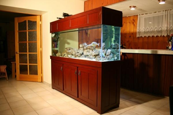 meuble-aquarium-en-bois