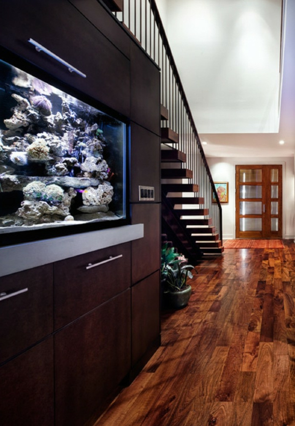 meuble-aquarium-grand-buffet-sous-escalier