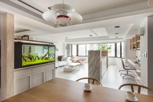 meuble-aquarium-intérieur-blanc-spacieux