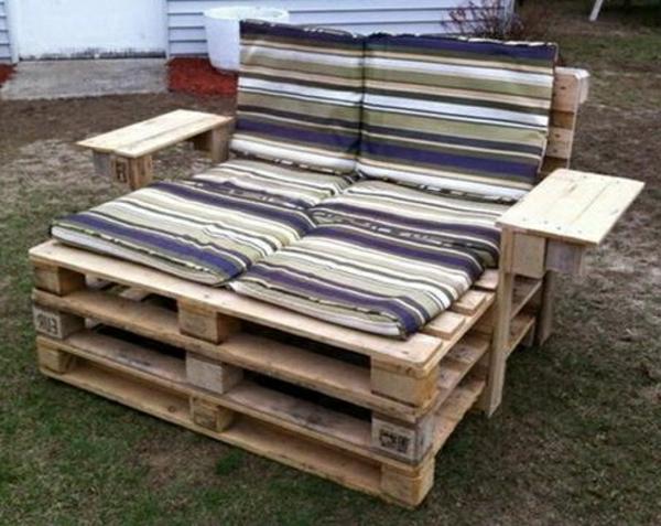 Id es originales de meubles en palettes - Comment faire un meuble en palette ...