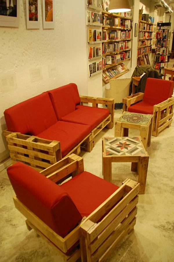 meubles-en-palettes-salle-de-séjour-palettes-recyclées