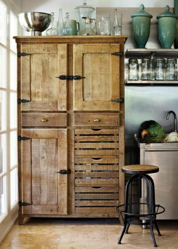 armoire en bois de palette. Black Bedroom Furniture Sets. Home Design Ideas