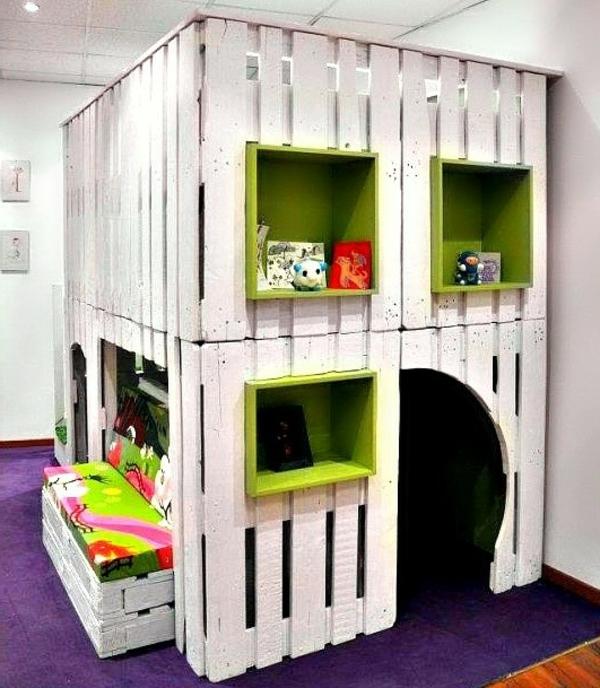 meubles-en-palettes-une-maison-d'enfants-en-palettes