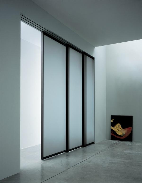 minimaliste-design-du porte-coulissante-de-placard-en-mesure