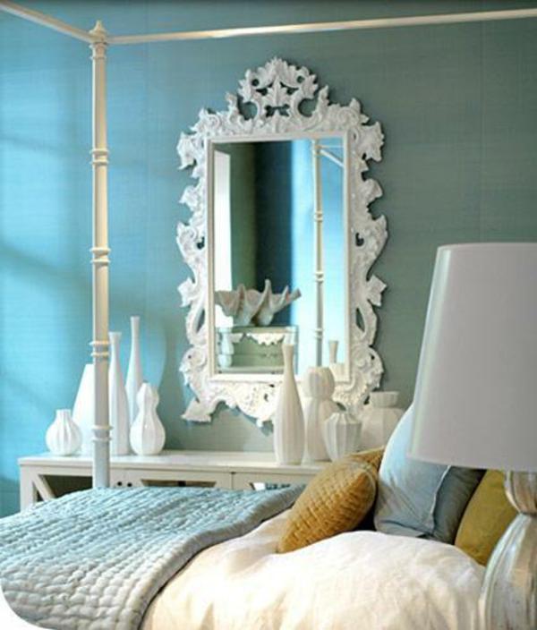 le miroir baroque est un joli accent d co. Black Bedroom Furniture Sets. Home Design Ideas