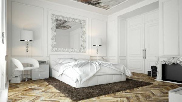 miroir-baroque-dans-une-chambre-à-coucher-blanche
