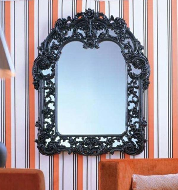 Le miroir baroque est un joli accent d co for Miroir encadrement noir