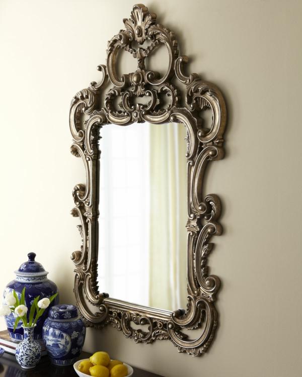miroir-baroque-encadrement-ornementé
