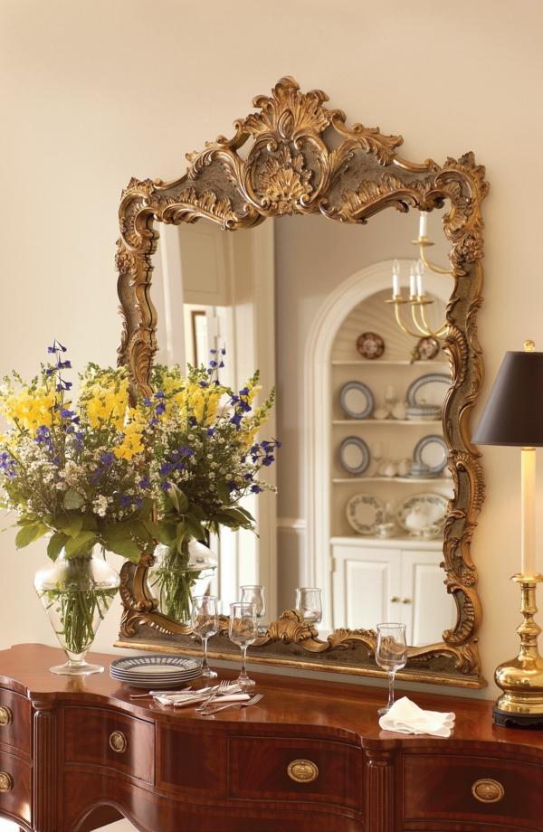 miroir-baroque-et-console-vintage-en-bois