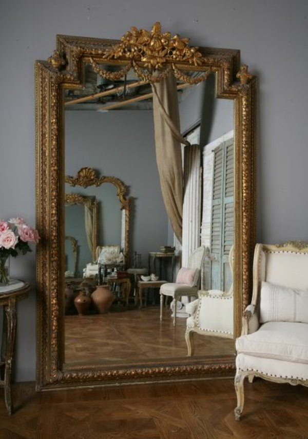 Le miroir baroque est un joli accent d co for Grand miroir rectangulaire
