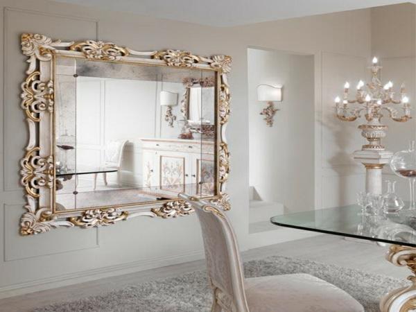 miroir-baroque-intérieur-brillant-en-blanc