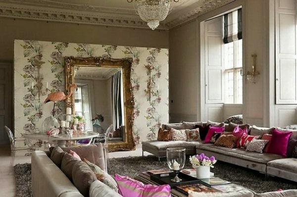 miroir-baroque-salle-de-séjour-spacieuse