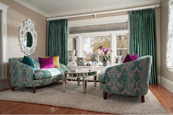 miroir-baroque-salle-de-séjour-unique-sofas-vintage