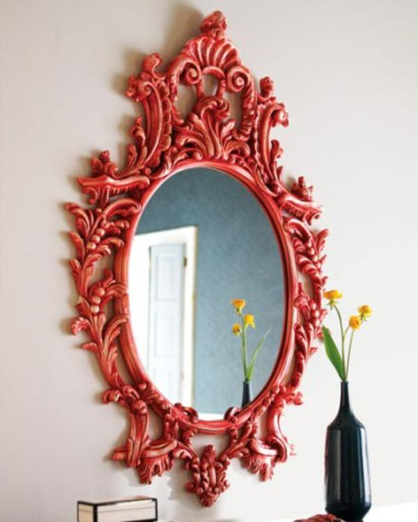 Le miroir baroque est un joli accent d co for Miroir rouge