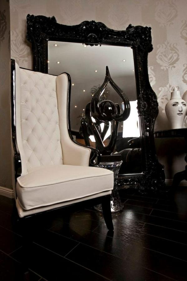 miroir-baroque-un-grand-miroir-et-un-fauteuil-vintage