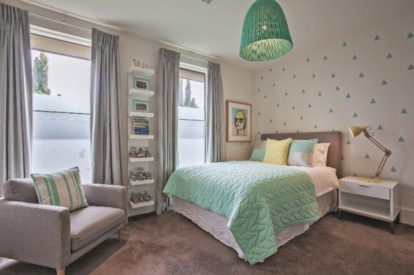 mobilier-denfant-pour-une-chambre-en-gris-et-couleur-minth