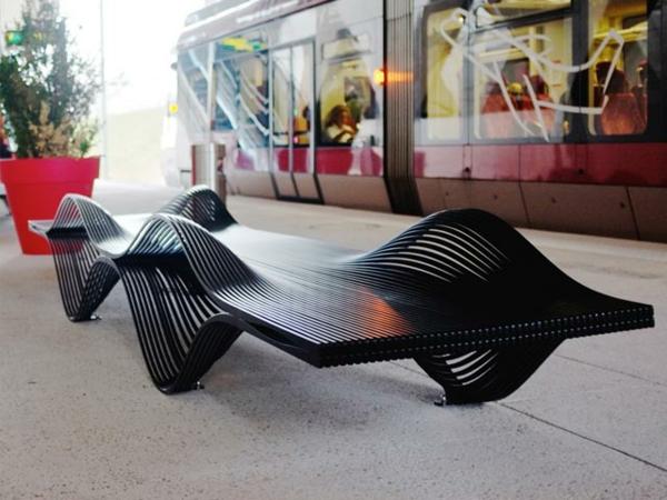 mobilier-urbain-designs-le-banc-muscle