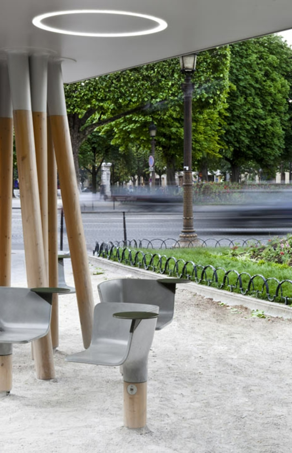 mobilier-urbain-une-station-wi-fi