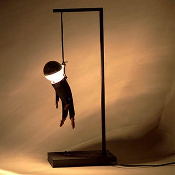 moderne-créative-design-du-lampe-en-fer-noir
