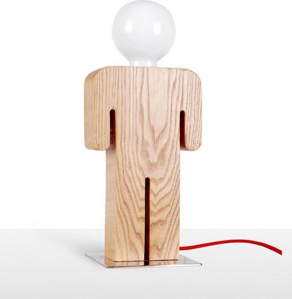 moderne-design-pour-votre-lampe-en-bois-en-forme-d'homme