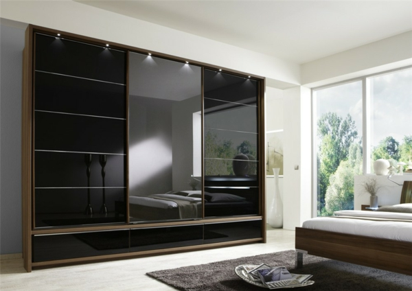 la porte coulissante de placard sur mesure. Black Bedroom Furniture Sets. Home Design Ideas