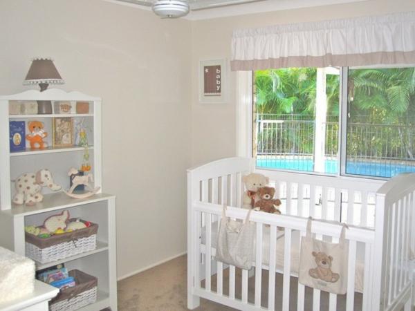 Chambre Bleu Pour Bebe Fille : originalpetitechambredebebeenblancetgrisaveccooldécoration