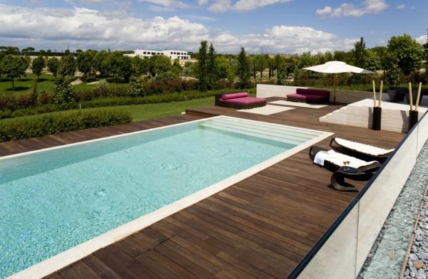 La piscine en bois rectangulaire espace de d tente et for Piscine metal rectangulaire