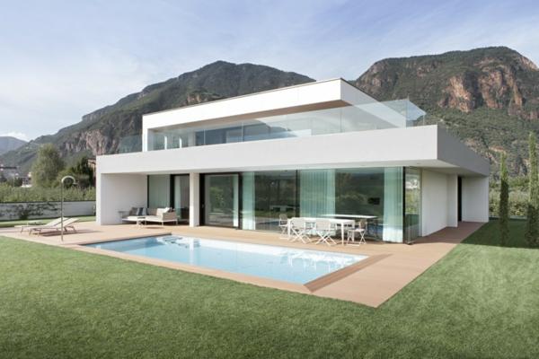 piscine-en-bois-rectangulaire-espace-de-déjeuner