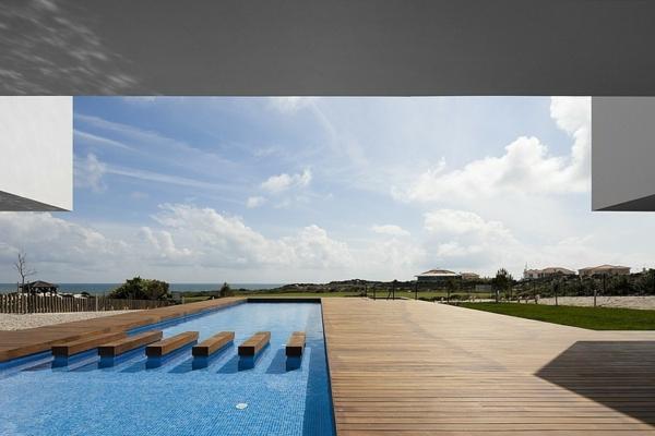 piscine-en-bois-rectangulaire-espace-unique
