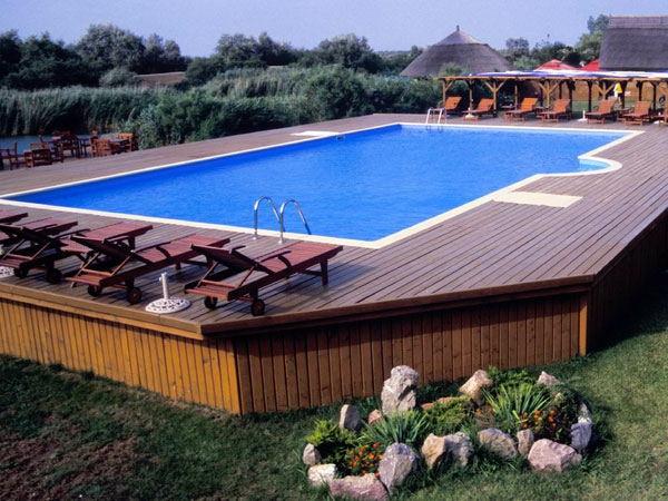 piscine-en-bois-rectangulaire-hors-sol