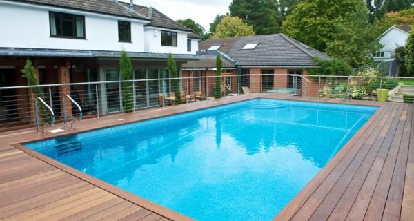 La piscine en bois rectangulaire espace de d tente et for Casino piscine hors sol