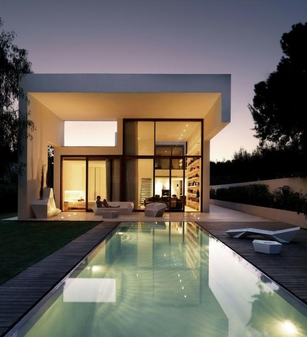 piscine-en-bois-rectangulaire-maison-rectangulaire