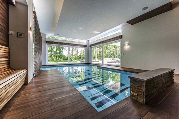piscine-en-bois-rectangulaire-piscine-d'intérieur