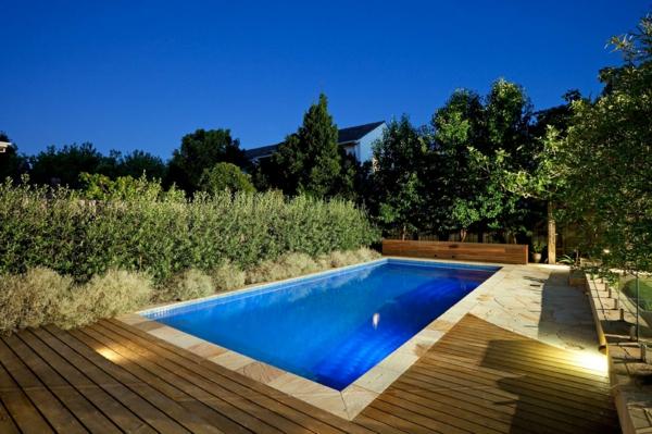 piscine-en-bois-rectangulaire-piscine-en-pleine-nature