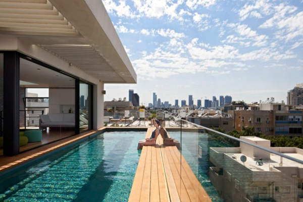 La piscine en bois rectangulaire  espace de détente et déco pour l