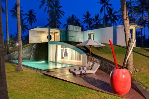 piscine-en-bois-rectangulaire-une-maison-exotique