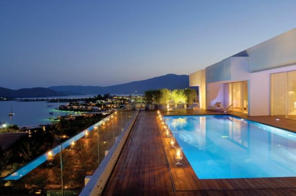 piscine-en-bois-rectangulaire-une-terrasse-magnifique-resized