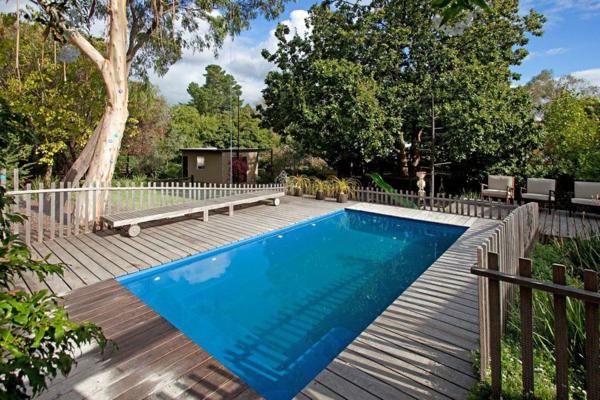 piscine-en-bois-rectangulaire-petite-piscine-cosy