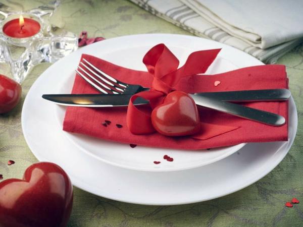 Une joyeuse saint valentin jouez avec la d co for Decoration porte st valentin