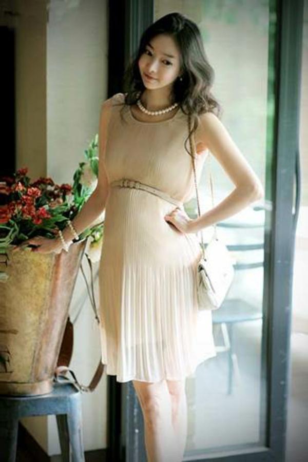 robe-élégante-pour-une-femme-ensainte