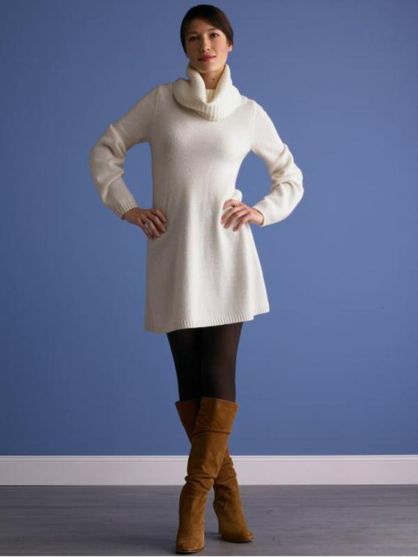 robe-pull-blanche-et-bottes-en-velours
