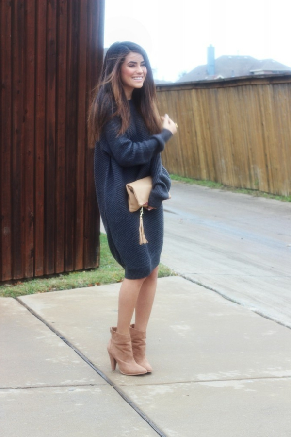 robe-pull-bleue-jusqu'aux-genoux