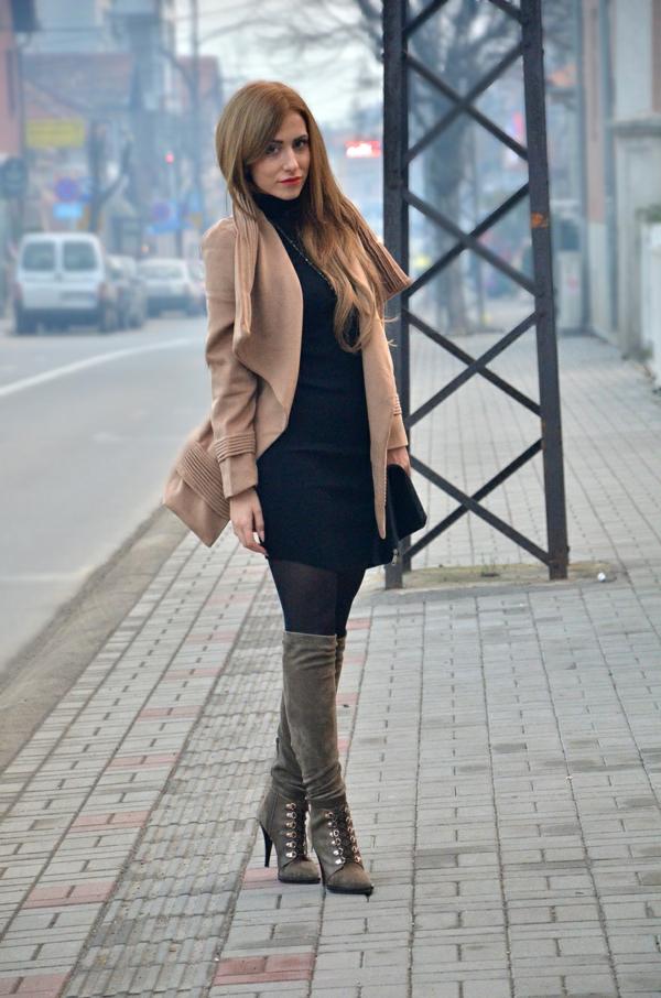 robe-pull-et-manteau-beige