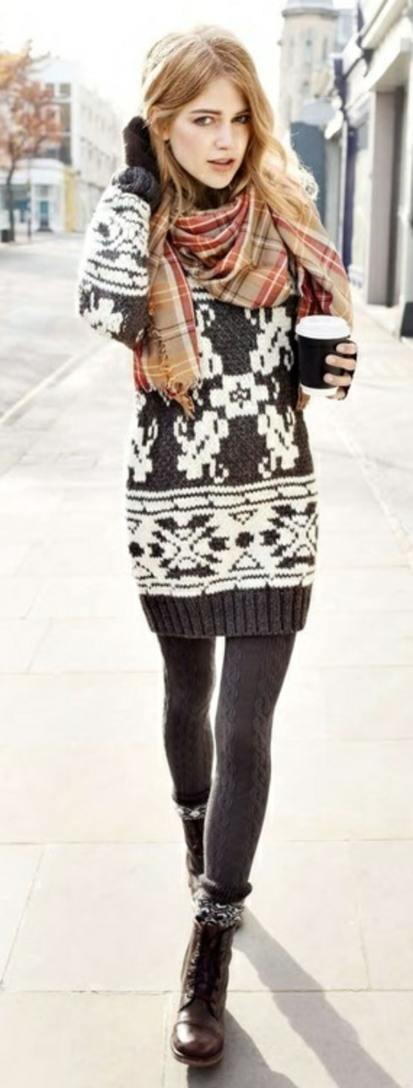 La robe pull pour tous les styles - Idee tenue hiver ...