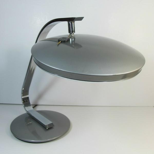 ronde-lampe-en-métal