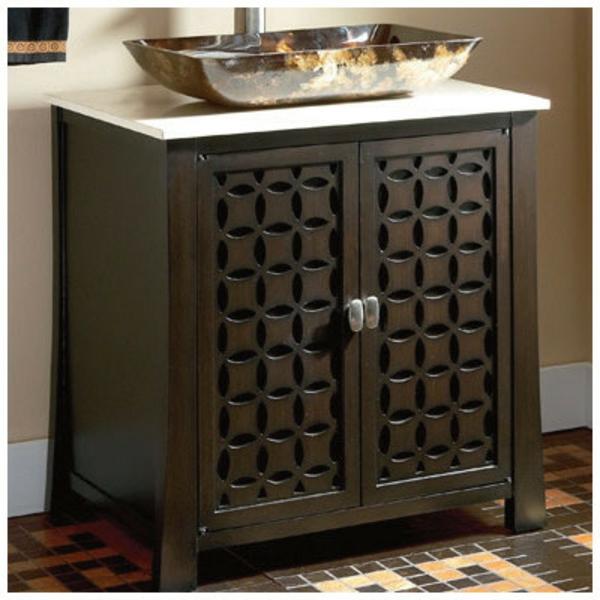 simple-design-en-bois-pour-votre-salle-de-bain-avec-decoration-sur-lextérieur
