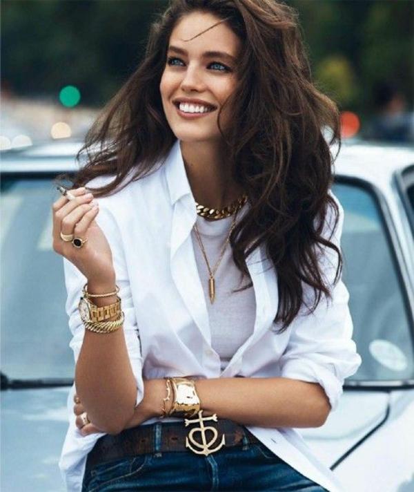 simple-et-classe-chemise-blanche-femme-et