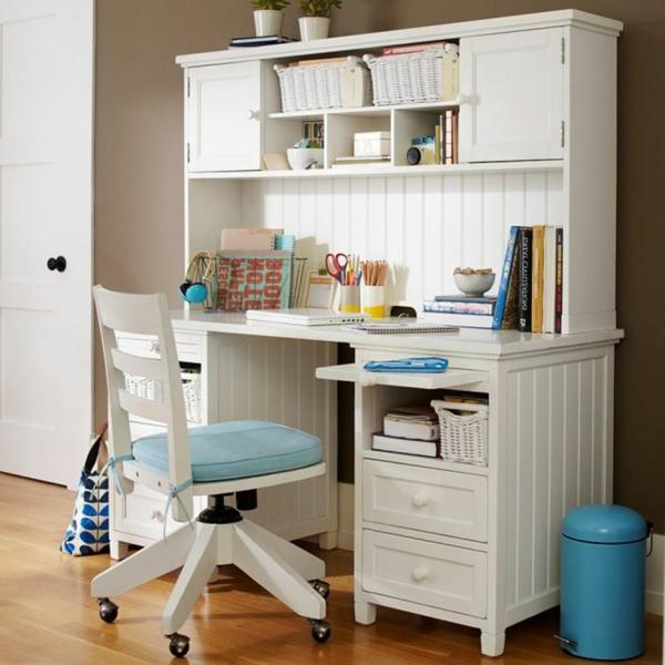 simple-seul-bureau-pour-votre-design-unique-scandinave-en-blanc-et-bleu